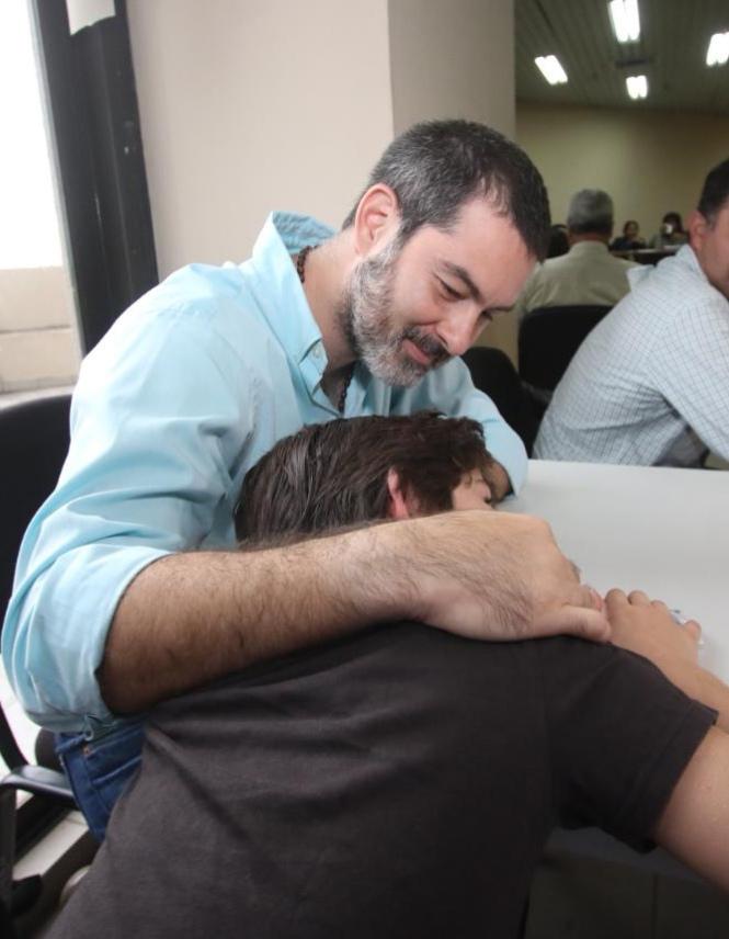 Zvonko y su hijo Milán compartirán por primera vez un Día del Padre en su hogar / RRSS EL DEBER