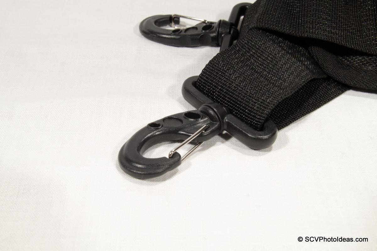 Triopo GX-1328 carry-strap pivot hooks detail