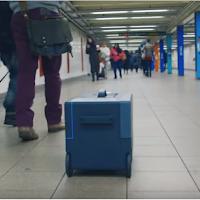 une valise robot qui avance toute seule
