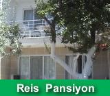 http://www.fistiklipansiyonlari.com/2014/06/reis-pansiyon-fstkl-koyu.html