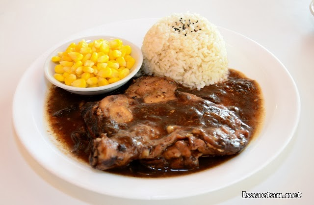 Black Pepper Chicken with rice and corn