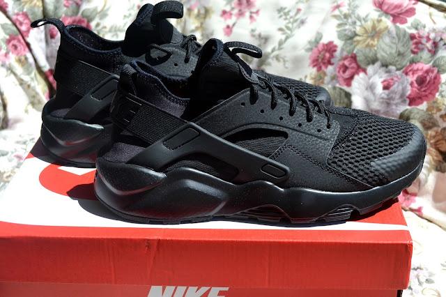 http://www.syriouslyinfashion.com/2016/08/infinities-nike-air-huarache-sneakers.html
