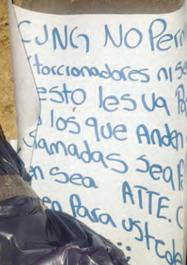"""""""CJNG no permite extorsionadores"""", Sicarios del CJNG abandonan dos cuerpos decapitados y embolsados en Jalisco"""