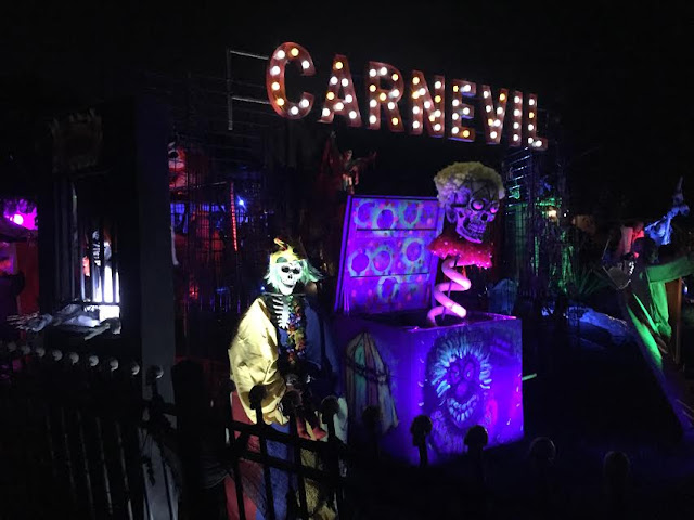 Carnevil Halloween yard display in Arlington Heights, IL
