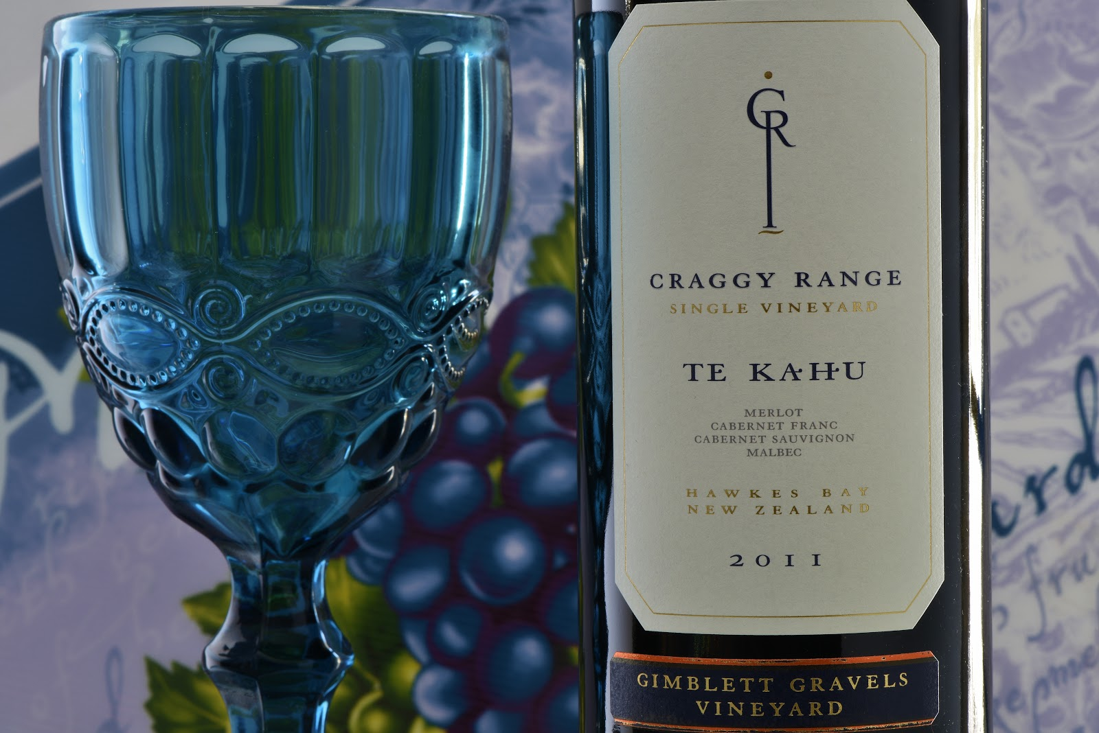 Te Kahu Hawkes Bay New Zealand Craggy Range Single Vineyard 2017 Bordeaux Styled Red Wine 17 59 21 99 89 Points Poured A Pantone Burgundy Color With