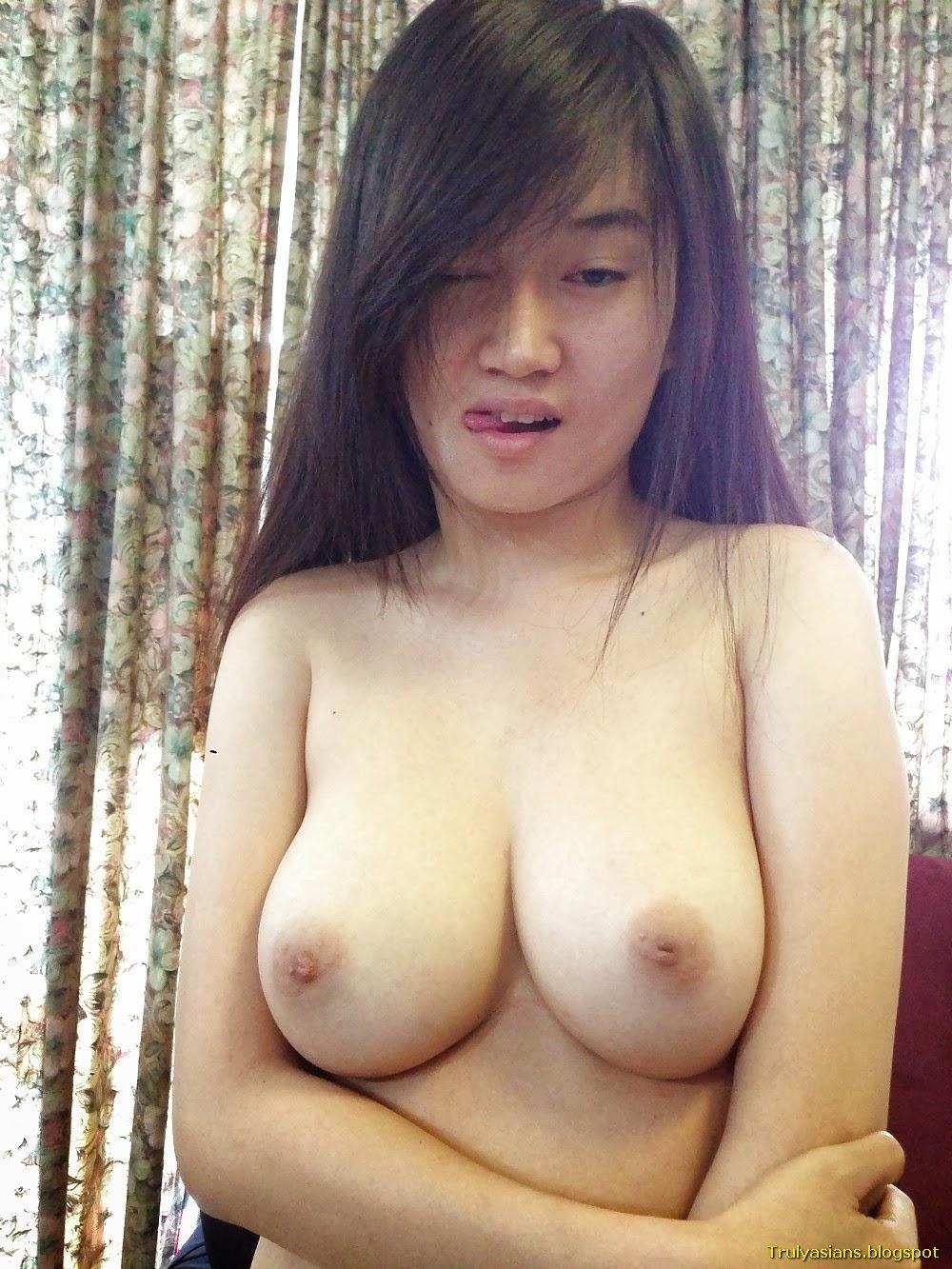 Asian sg gf gal big tits riding