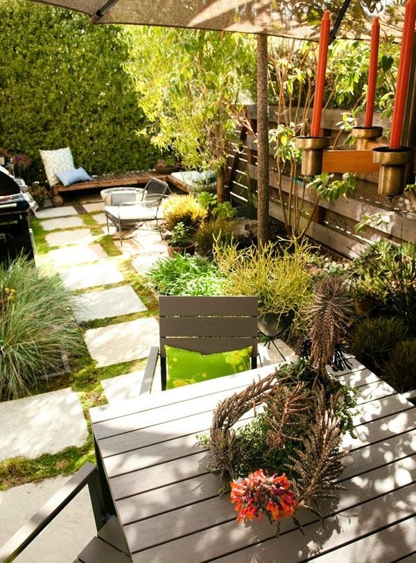 Decoracion de patios pequenos y estrechos patios y jardines for Como decorar patios y jardines