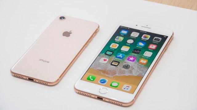 Modelos iPhone 8 e 8 Plus em Lyon