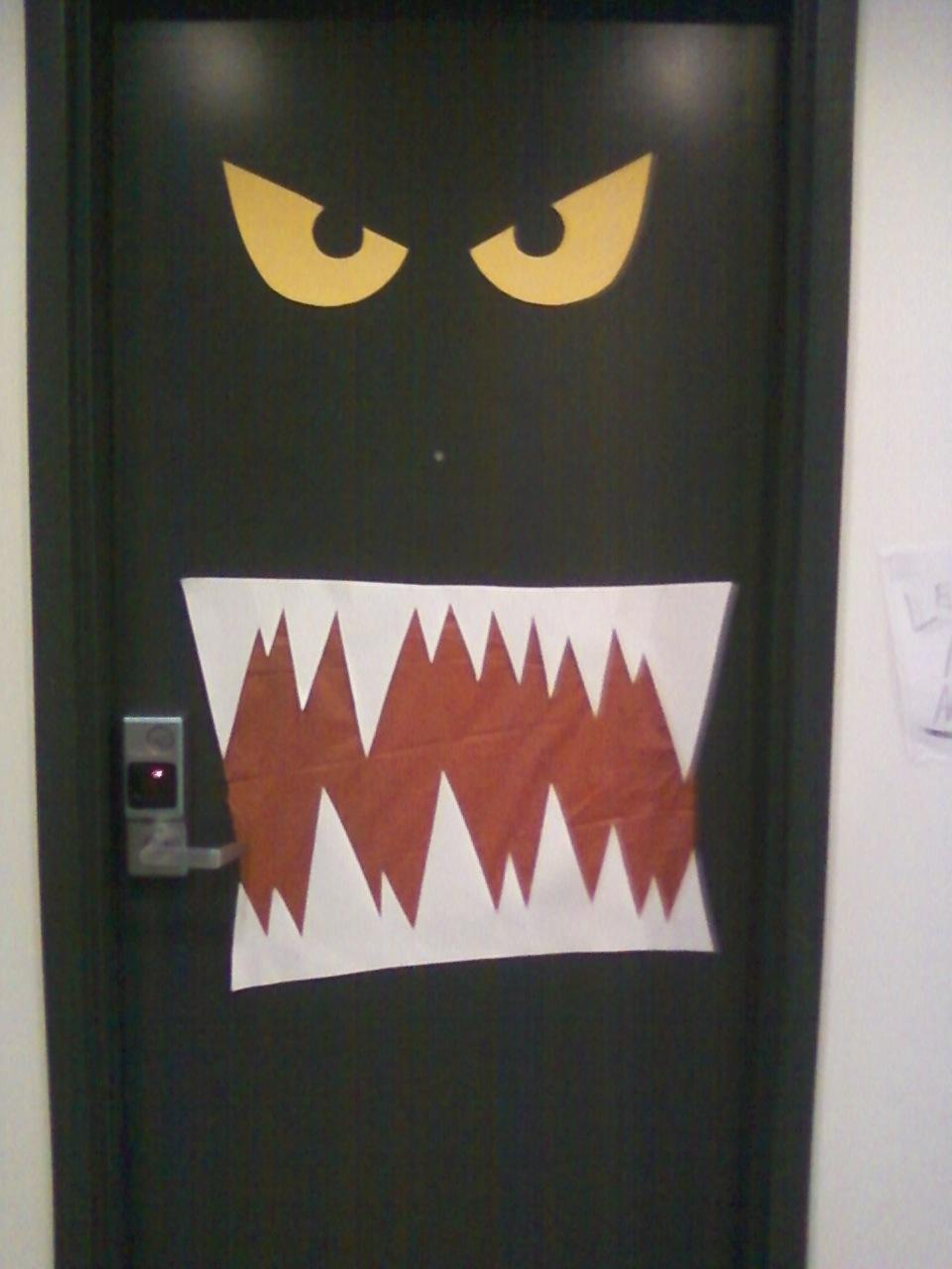 Ludlow Live Wire Halloween Door Decoration Contest