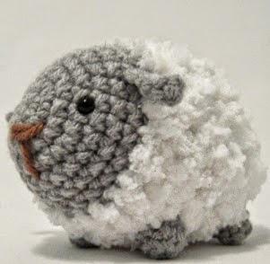 http://translate.googleusercontent.com/translate_c?depth=1&hl=es&rurl=translate.google.es&sl=en&tl=es&u=http://icrochetthings.blogspot.com.es/2014/04/free-pattern-fluffy-sheep-amigurumi.html&usg=ALkJrhhuRNe-6QHJQezdX1YMbqq9kUM-AQ