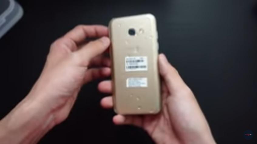Samsung Galaxy A3 2017 sesudah dicelupkan dalam air