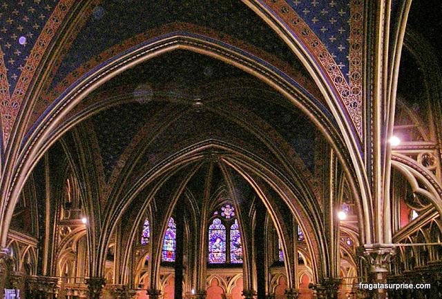 Salão térreo das Sainte Chapelle, Paris