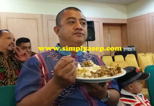 WAHYU : Inilah Wahyu Ismir Jartha Kusuma.  Rekan saya dulu di Pontianak Post. Karya tulis jurnalistiknya juara I dalam Dahlan Iskan Award  2012 . Foto Asep Haryono