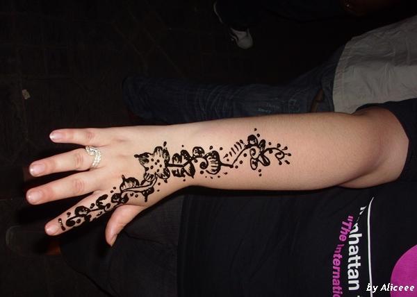 Djemaa-el Fna-tatuaj-cu-henna