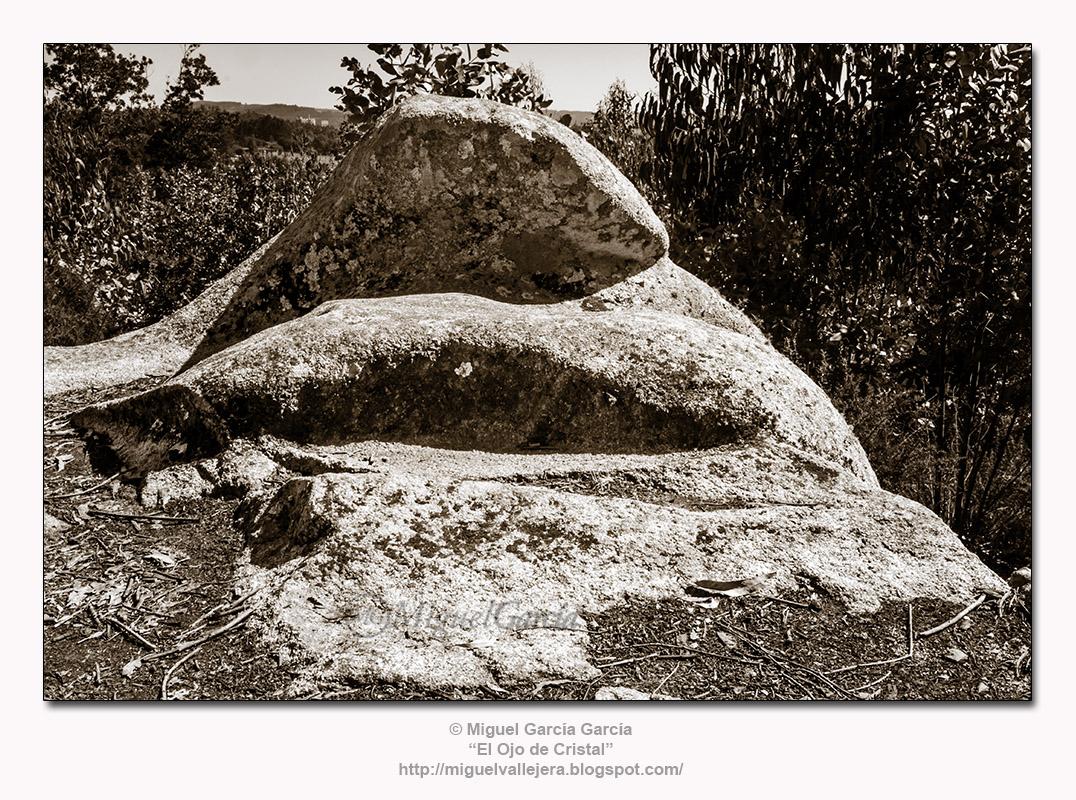 A Espenuca (Coirós). El Trono de Piedra.