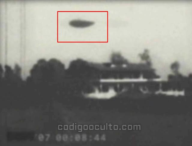 Escena de uno de los vídeos, que muestra un posible OVNI filmado por la KGB.