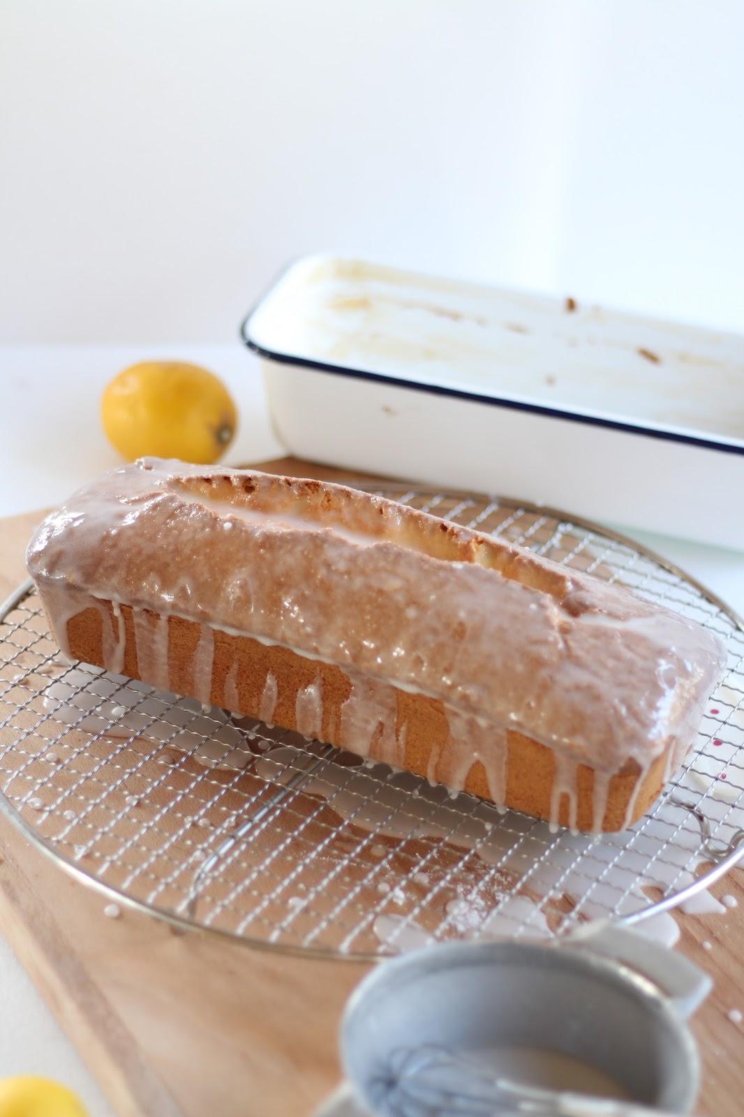 Saftiger Zitronenkuchen - einfaches, schnelles Rezept mit Video: Mein Geburtstagskuchen für Dorothea