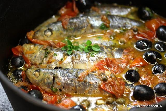 Sardinen in Tomate mit Oliven, Kapern, Sardellen