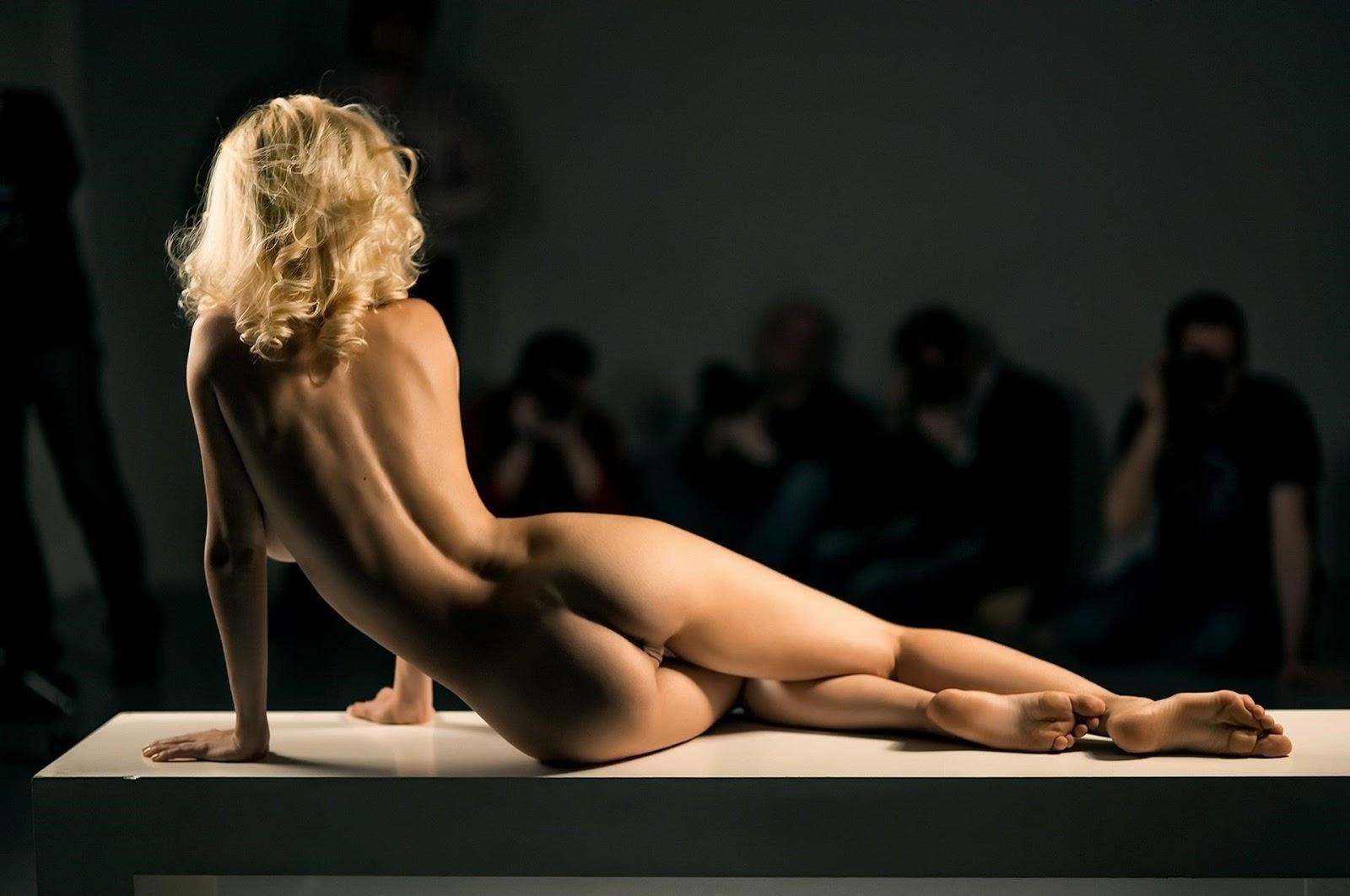 Posing nude art class college model