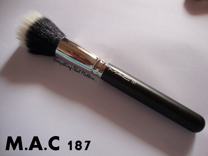 A brush used for the lightweight application and blending of face powder or pigments.