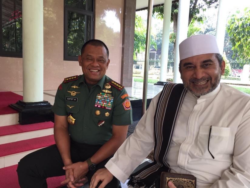 Habib Nabil Almusawa bersama Panglima TNI Jenderal Gatot Nurmantyo