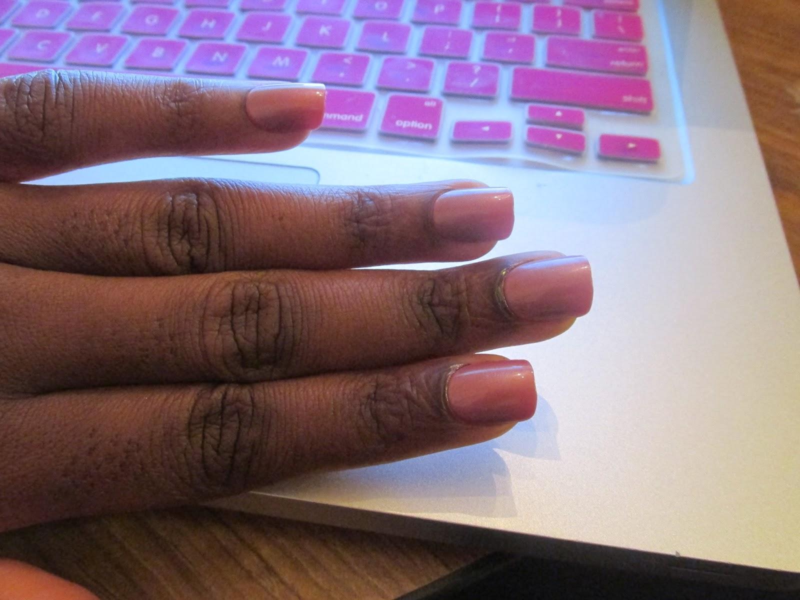 comment mettre des faux ongles sans ab mer ses ongles naturels helowaddicted. Black Bedroom Furniture Sets. Home Design Ideas