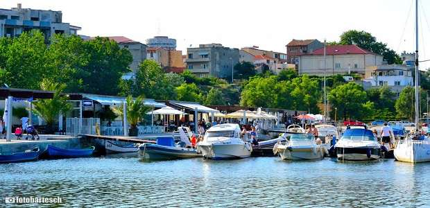 Yachts and restaurants in Tomis Port Constanta modernized.