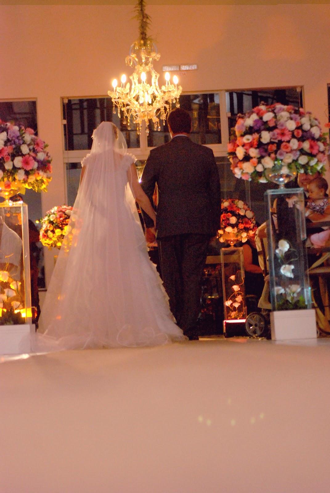 2c920cbb3 Em primeiro lugar o fotógrafo deve conhecer seus clientes, ou seja, os  noivos! A amizade, as conversas nos primeiros contatos servirão para o  fotógrafo ...