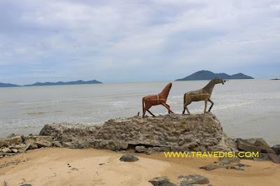 Pesona Mimi Land beach kabupaten bengkayang kalimantan barat,dengan daftar wahana permainan keluarga,juga terdapat flying fox yg memacu adrenalin,buruan kesini