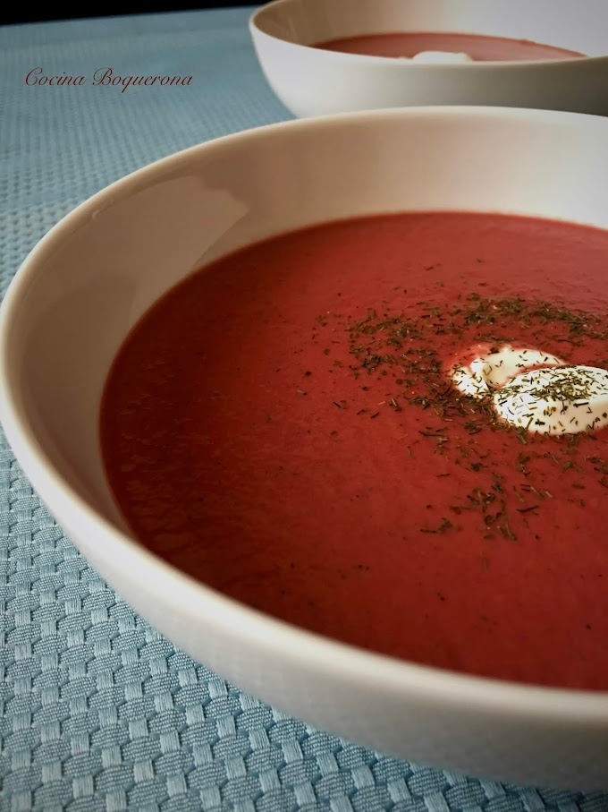 Sopa fría de remolacha, pepino y yogur