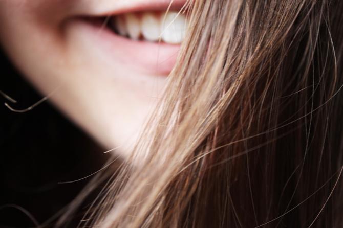 32645f25bbcad7 Je vais donc vous délivrer douze conseils qui, je l espère, vous aideront à  faire pousser vos cheveux plus vite. Qu on s entende bien, il n existe pas  de ...