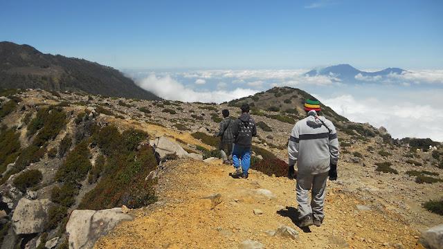 jalur pendakian gunung welirang via cangar