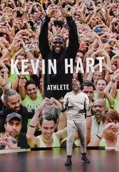 ... Victor Cruz teamed to work up a sweat at the Nike+ Live Training Event.  Comedian Kevin Hart brings his  HustleHart movement to NYC for a few Nike  events ... 38fcb73da