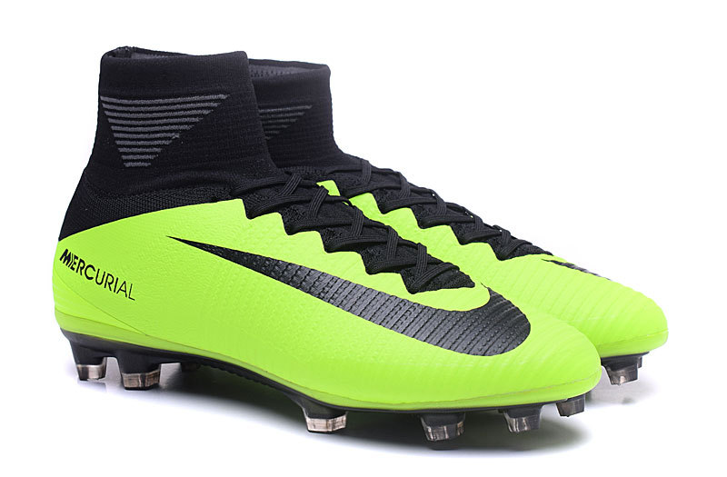 82e4b787a31 ... soccer boot. The stunning first 2016-2017 paint job for the Nike  Mercurial Superfly 5 is almost entirely green