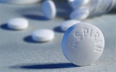 Estudo revela que aspirina consegue reverter danos da cárie