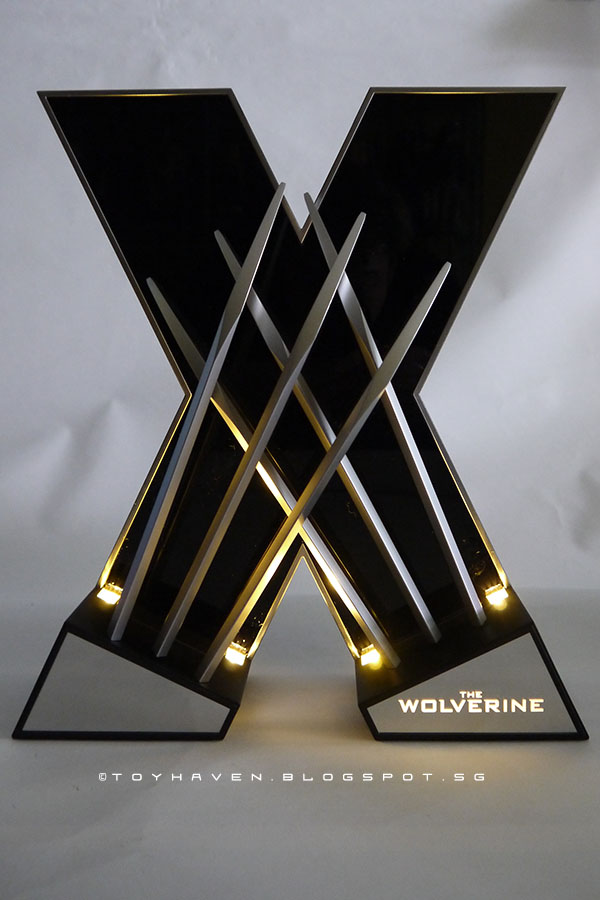 Hingsan 1//1 Wolverine Claw LED Desk Light Display Set For Home Deco Kid Gift