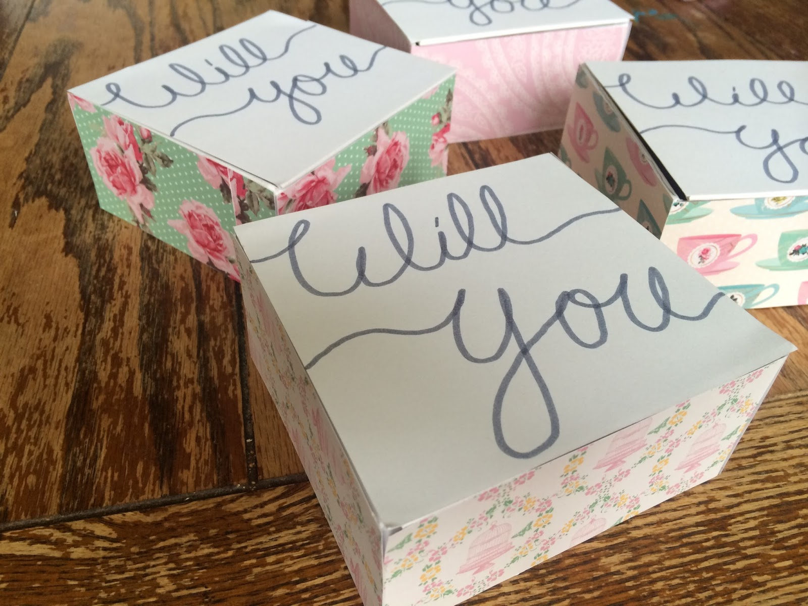 she 39 s a wildflower diy will you be my bridesmaid boxes. Black Bedroom Furniture Sets. Home Design Ideas