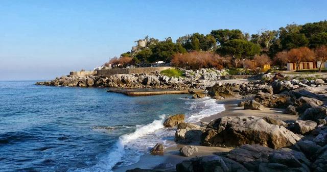 Większość plaż naSycylii jest kamienistych