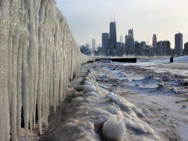 30 Mind-Blowing Pictures That Show The Extreme Weather Conditions In America Right Now