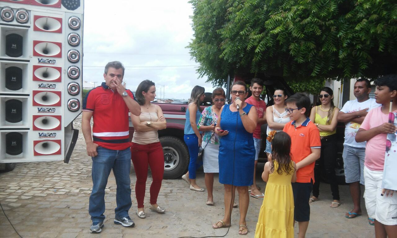 Com festa surpresa exprefeito de Major Sales, Carlos José Fernandes