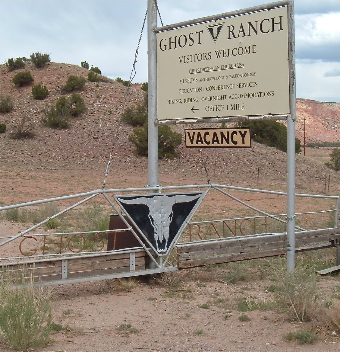 Two Graces Taos: Abiquiu, Ghost Ranch Trails & The Land Of