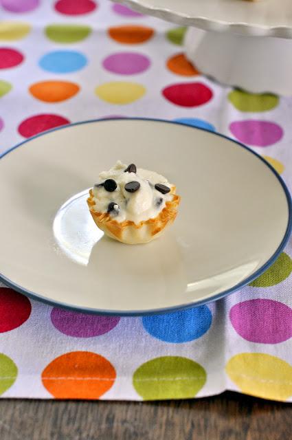 Chocolate Chip Cannoli Bite | Taste As You Go