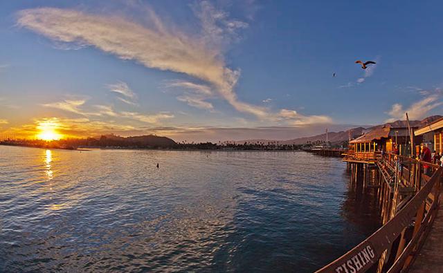 Stearns Wharf em Santa Barbara na Califórnia