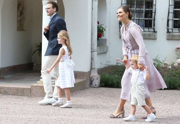 King Carl Gustaf, Queen Silvia, Prince Daniel, Princess Estelle and Prince Oscar. Crown Princess wore Stylein dress. Swedish fashion brand