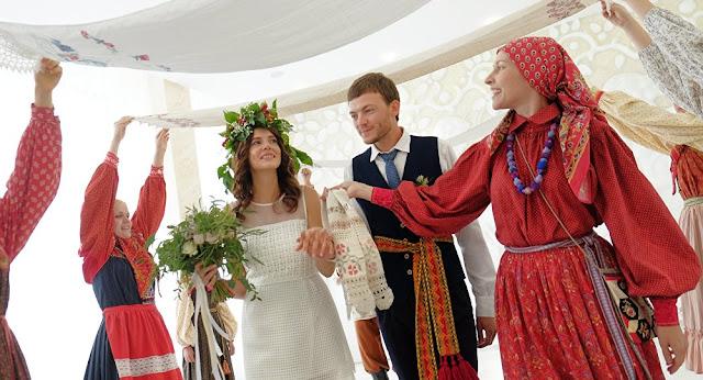أغرب عادات الزواج العالم
