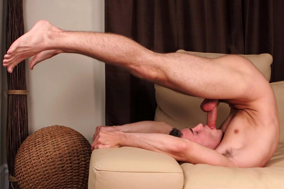 мужик делает трогаетчленупарня видео - 4