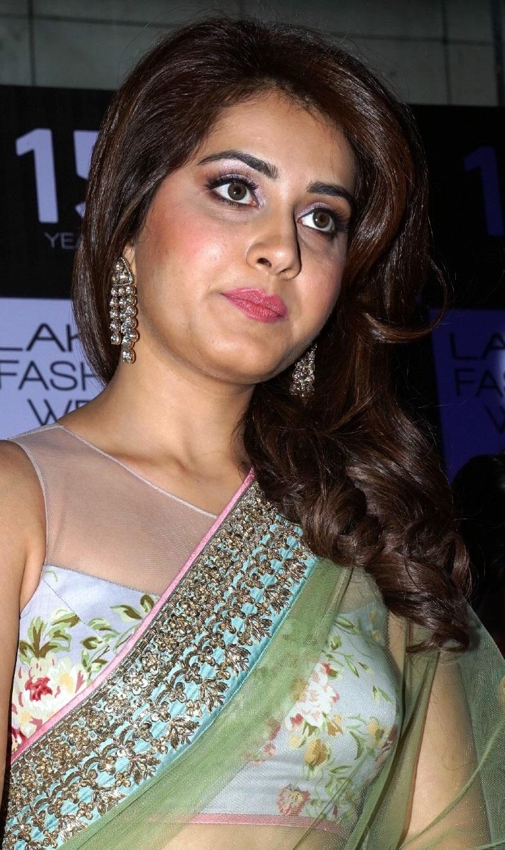 Rashi Khanna In Transparent Green Saree At Lakme Fashion Week Photos