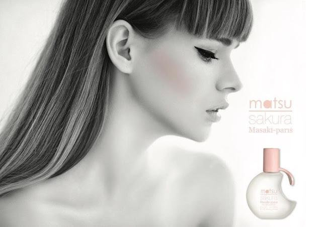 Reklama perfum Matsu Sakura Masaki Matsushima