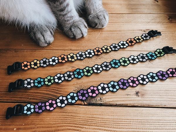 3匹分の手編みの猫用首輪