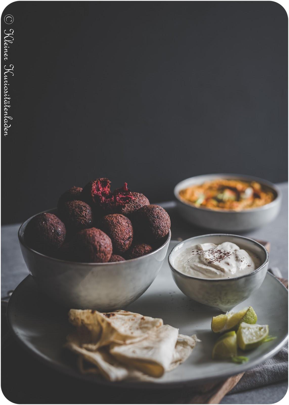 Rote-Bete-Falafel mit Kürbis-Hummus